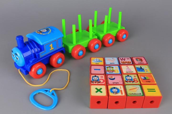 Влакче с кубчета