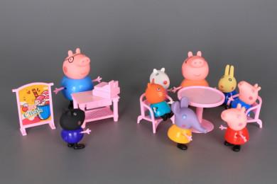 Прасенца и приятели на сладкарница