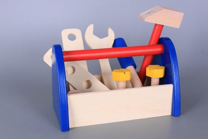 Дървени инструменти в поставка