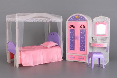 Тоалетка с гардероб и легло за кукли