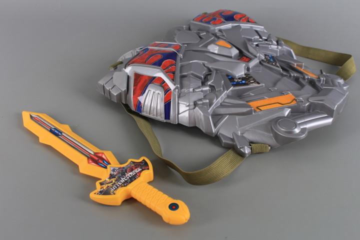 К-т Нагръдник и меч