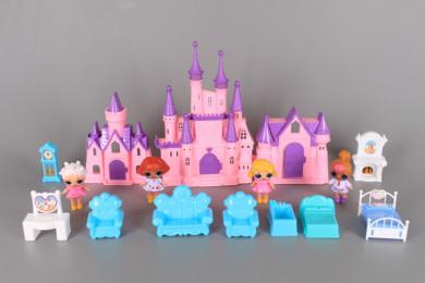 Замък и 4 светещи куклички