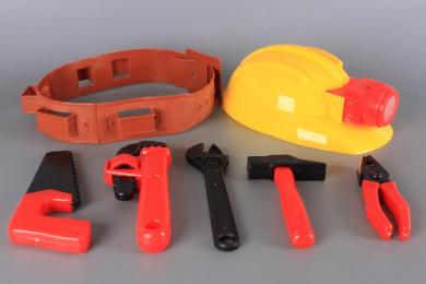 Колан, инструменти и каска