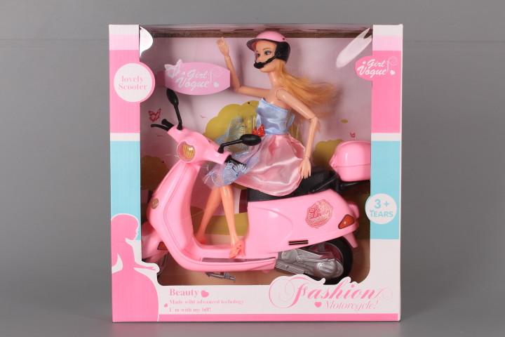 Кукла с чупещи се стави и скутер