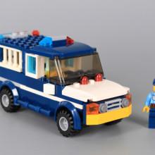 Конструктор Полицейски камион 2 в 1-132 елемента