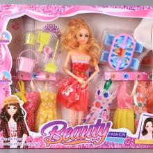 Кукла, 8 рокли и обзавеждане