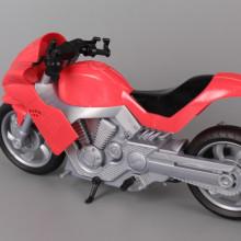 Кукла с чупещи се стави и мотор