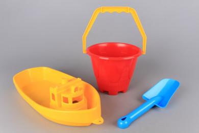 Кораб, кофичка и лопатка