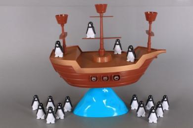 Игра Кораб с пингвини