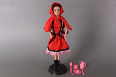 Кукла с чупещи се ръце, наметало и аксесоари