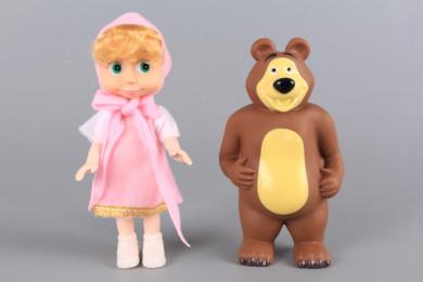 Кукла и мечка