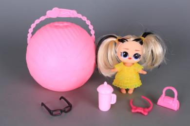 Мини кукла в топка