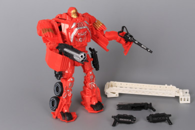 Трансформер робот-пожарна кола