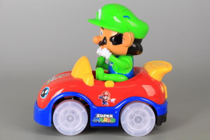Кола с шофьор