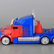 Трансформер робот-кола/ робот-камион-Pull Back