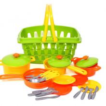 Кошница с кухненска посуда