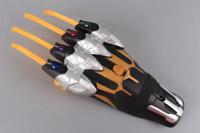 Оръжие Ръка с нокти