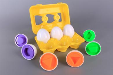Яйца с формички за напасване