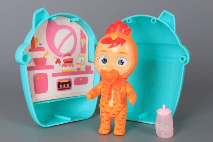 Кукла в къща