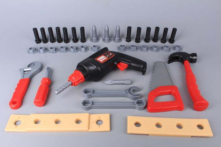 Куфар-работна маса с инструменти