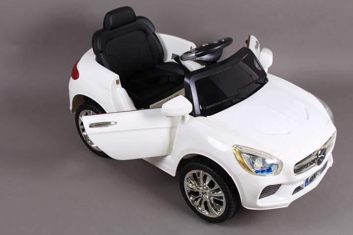 Кола с акумулатор, родителски контрол,  LED светлини и Bluetooth връзка