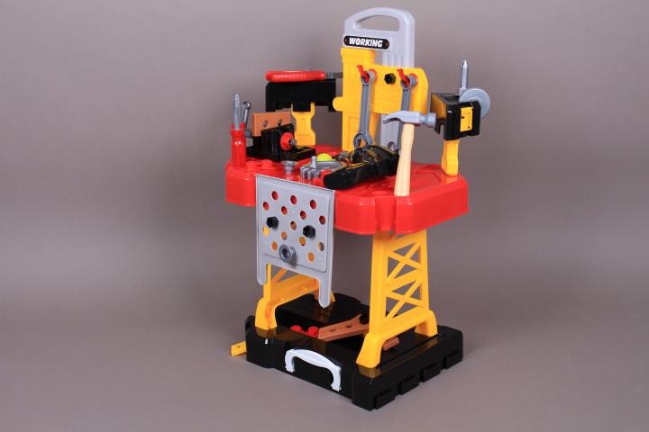 Куфар-работилница с инструменти