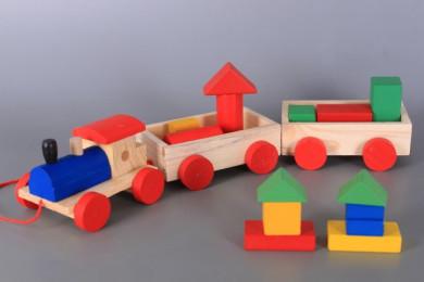 Дървено влакче с блокчета