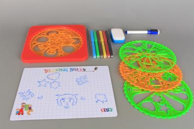 К-т за рисуване и оцветяване с дъска и шаблони