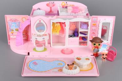 Чанта-къща за кукли с обзавеждане и кукли