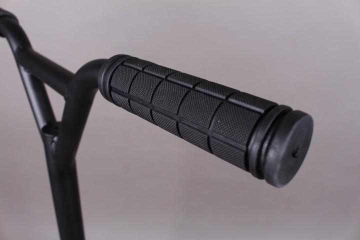 Тротинетка с пластмасови колела