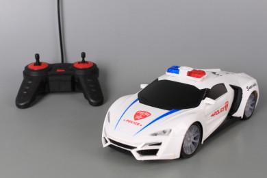 Радиоуправляема полицейска кола със звукови и светлинни ефекти