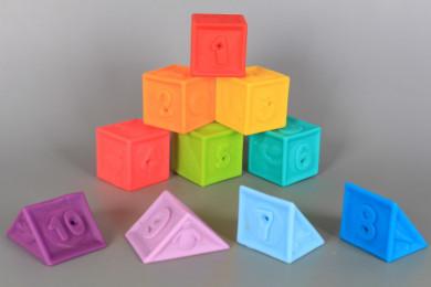 Гумени кубчета и пирамидки