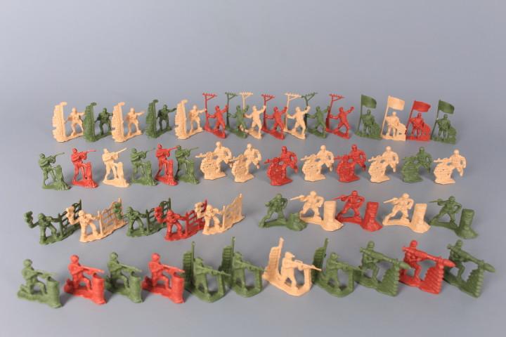 Комплект войници
