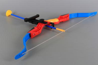 Лък проектиращ мишена и стрели