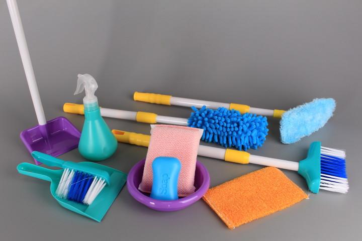 Количка за почистване и уреди с телескопични дръжки