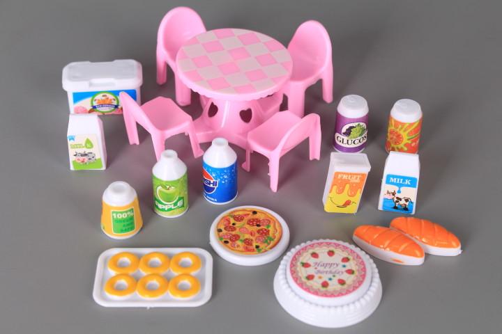 Комплект прасенца с маса и столчета