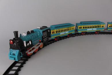 Влак пушещ и релси 552 см.