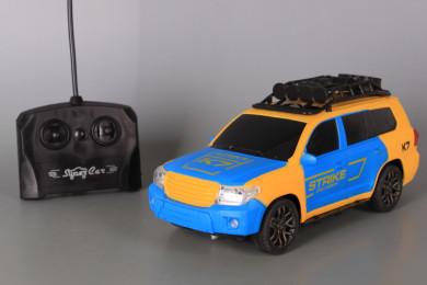 Радиоуправляем джип със зареждащи се батерии