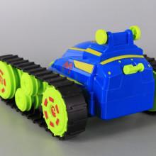 Радиоуправляема верижна машина-акробат със зареждащи се батерии