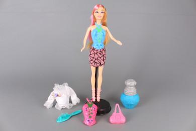 Кукла с блузки сменящи цвета си
