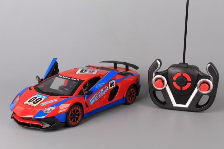 Радиоуправляема кола с отварящи се врати и таван и зареждащи се батерии