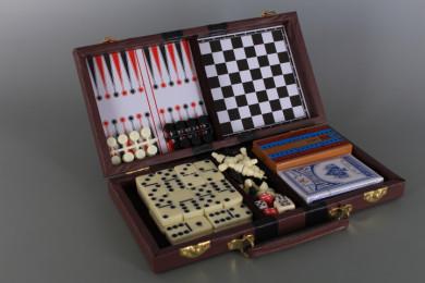 Куфарче с класически настолни игри-6 в1