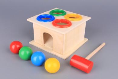 Дървена игра с чук и топки