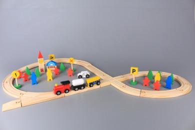Дървен влак с път и ЖП гара - 48 ел.