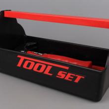 Инструменти в поставка