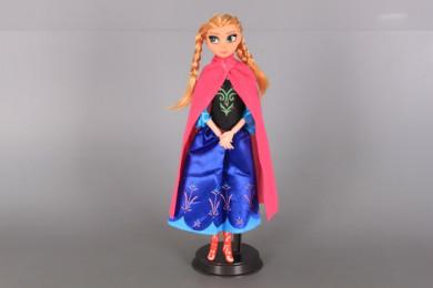 Кукла Ледена принцеса с чупещи се стави