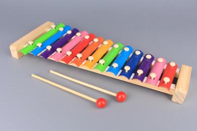 Дървен ксилофон с метални пластини