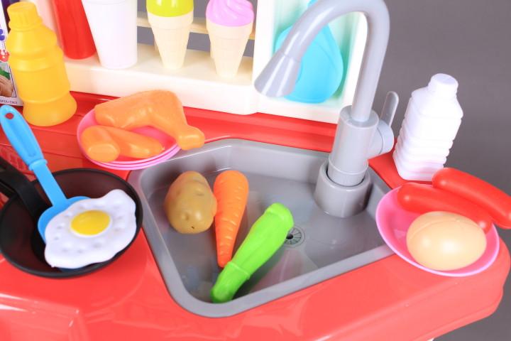 Кухня с пара, кипяща вода, течаща чешма и аспиратор-78 см.
