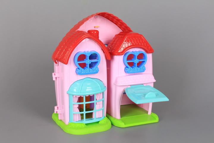 Къща с музика и светлина и четири прасенца
