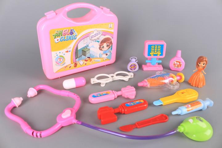 Докторско куфарче и кукла